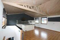 Interieur VISKUS woonschepenhaven 9 Lemmer - woonark  te koop bij Scheepsmakelaardij Fikkers - 3 / 54