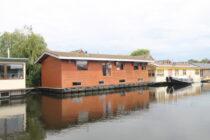 Exterieur VISKUS woonschepenhaven 9 Lemmer - woonark  te koop bij Scheepsmakelaardij Fikkers - 2 / 28