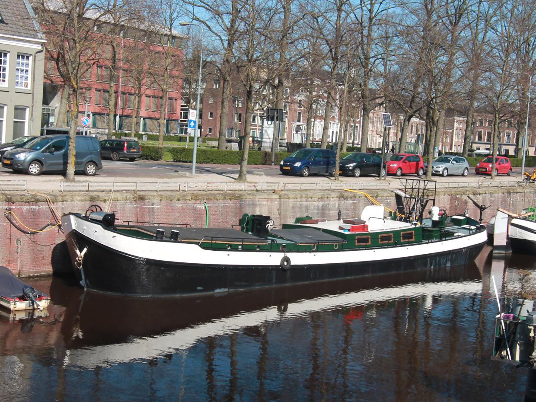 klipperaak te koop · Ligplaats: Lopende diep 1003 Groningen · VROUWE JOHANNA  Lopende diep 1009 Groningen · ref 1047 · Scheepsmakelaardij Fikkers