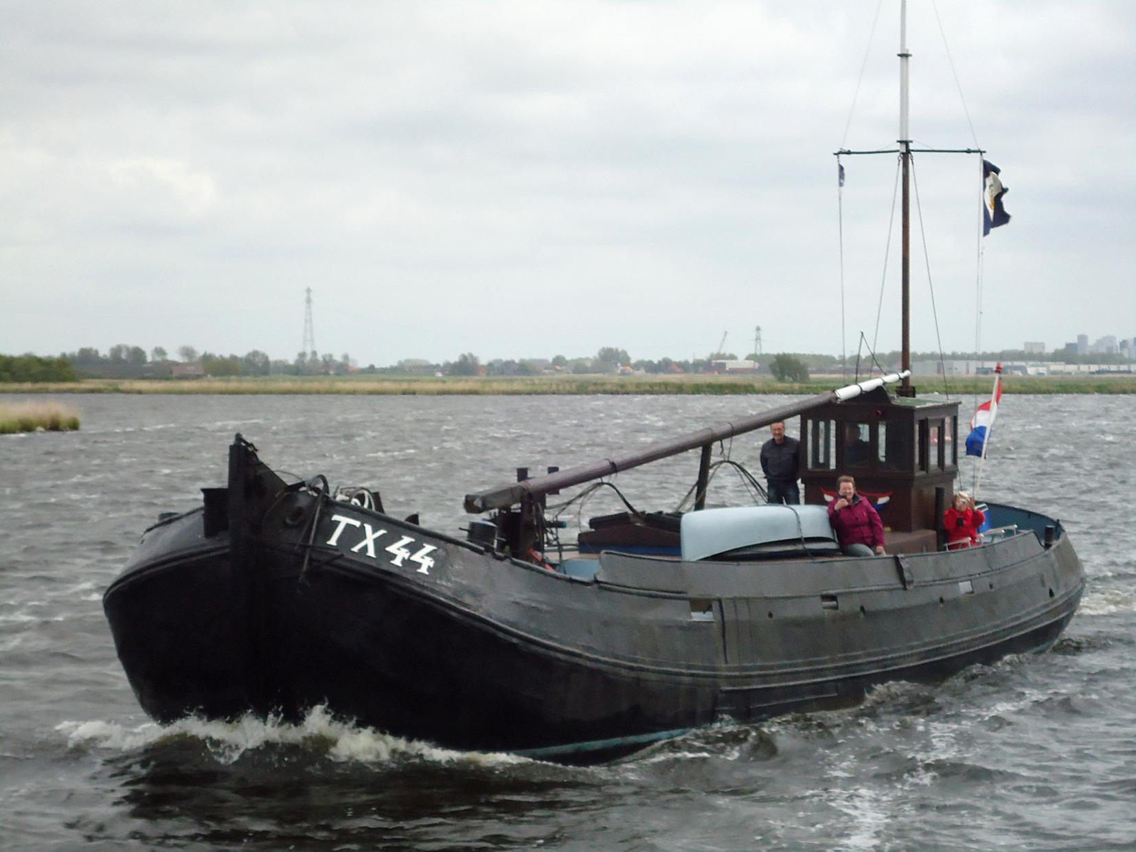blazer  te koop · Ligplaats: West-Graftdijk  · TX 44 JELLE · ref 2167 · Scheepsmakelaardij Fikkers