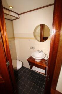 Interieur Marjorie  II - Barkentijn te koop bij Scheepsmakelaardij Fikkers - 36 / 93