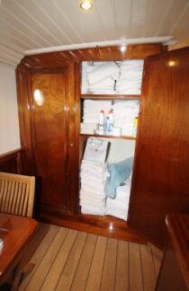 Interieur Marjorie  II - Barkentijn te koop bij Scheepsmakelaardij Fikkers - 92 / 93