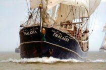 Exterieur Thalassa - three mast barq te koop bij Scheepsmakelaardij Fikkers - 1 / 51