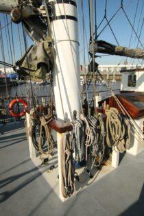 Exterieur Thalassa - three mast barq te koop bij Scheepsmakelaardij Fikkers - 38 / 51