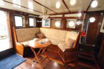 Interieur LIBBEN - Sleepboot te koop bij Scheepsmakelaardij Fikkers - 2 / 53