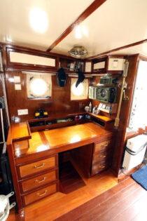 Interieur LIBBEN - Sleepboot te koop bij Scheepsmakelaardij Fikkers - 4 / 53