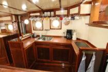 Interieur LIBBEN - Sleepboot te koop bij Scheepsmakelaardij Fikkers - 9 / 53