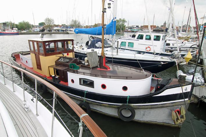 sleepboot te koop · Ligplaats: Marina Monnickendam, huurligplaats i.o. over te nemen · WILLY · ref 9025 · Scheepsmakelaardij Fikkers