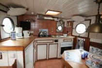 Interieur Alcyon bierhaven Rotterdam - sleepboot te koop bij Scheepsmakelaardij Fikkers - 4 / 24