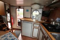 Interieur Alcyon bierhaven Rotterdam - sleepboot te koop bij Scheepsmakelaardij Fikkers - 5 / 24