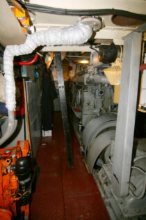 Interieur Alcyon bierhaven Rotterdam - sleepboot te koop bij Scheepsmakelaardij Fikkers - 22 / 24