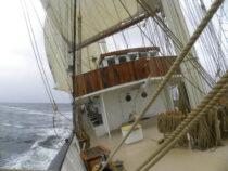 Exterieur GULDEN LEEUW - 3-mast topsail schooner te koop bij Scheepsmakelaardij Fikkers - 10 / 41