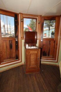 Interieur GULDEN LEEUW - 3-mast topsail schooner te koop bij Scheepsmakelaardij Fikkers - 14 / 52