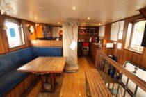 Interieur GULDEN LEEUW - 3-mast topsail schooner te koop bij Scheepsmakelaardij Fikkers - 20 / 52