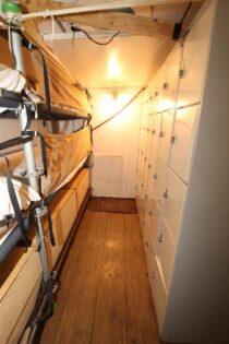 Interieur GULDEN LEEUW - 3-mast topsail schooner te koop bij Scheepsmakelaardij Fikkers - 45 / 52