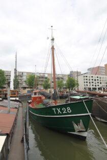 Exterieur Dageraad Haringvliet Rotterdam - kotter te koop bij Scheepsmakelaardij Fikkers - 1 / 30