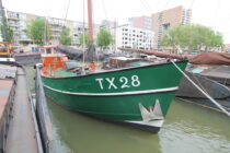 Exterieur Dageraad Haringvliet Rotterdam - kotter te koop bij Scheepsmakelaardij Fikkers - 3 / 30