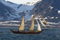 Exterieur NOORDERLICHT - expedition ship / 2 mast sailing schooner te koop bij Scheepsmakelaardij Fikkers - 1 / 37