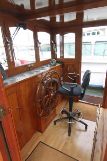 Interieur WILLY - sleepboot te koop bij Scheepsmakelaardij Fikkers - 1 / 30
