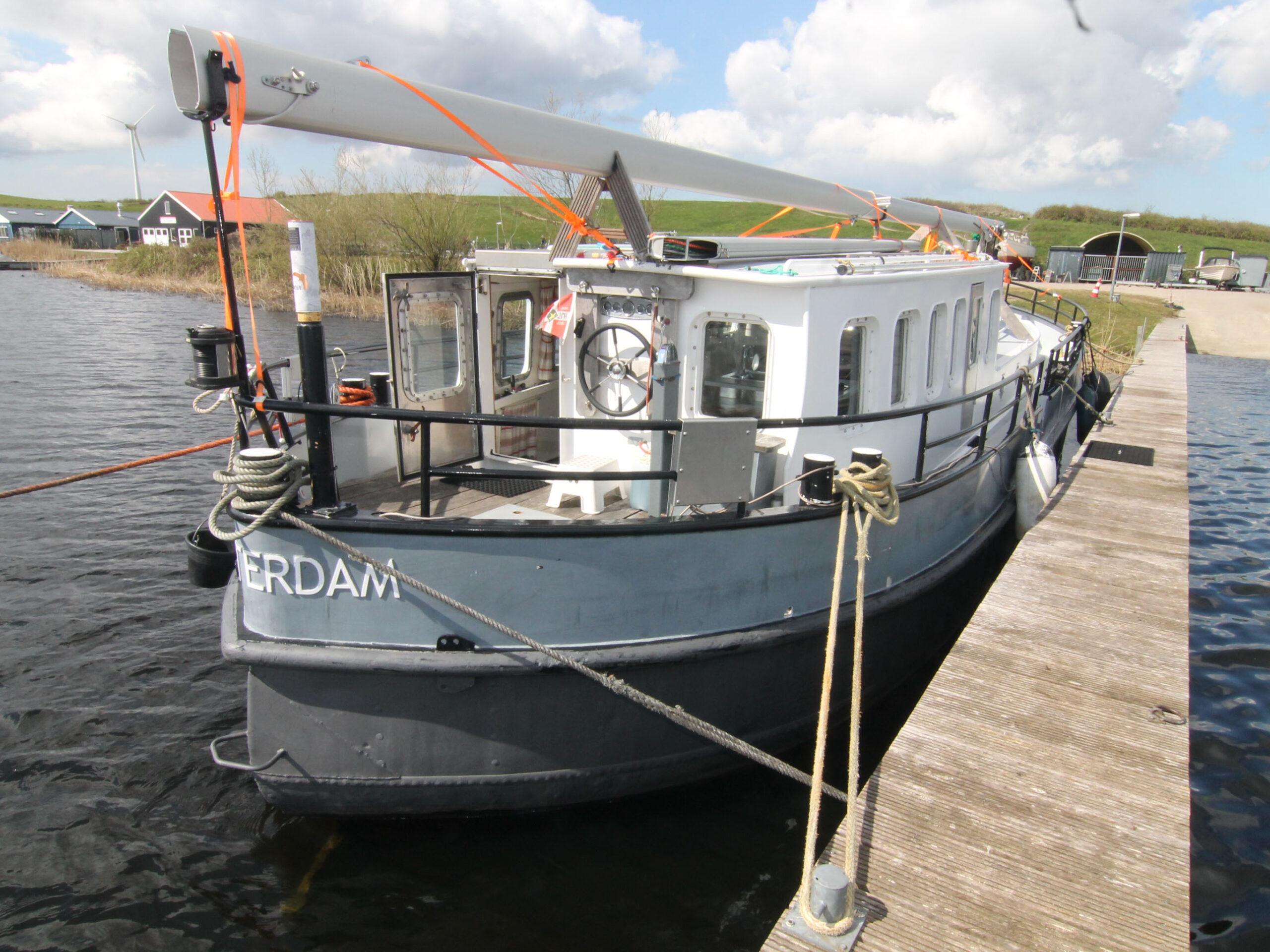 motorzeilschip,  ex Antwerpens waterbunkerboot  te koop · Ligplaats: Haarlem · VRIEND ex FLANDRIA XV · ref 2184 · Scheepsmakelaardij Fikkers